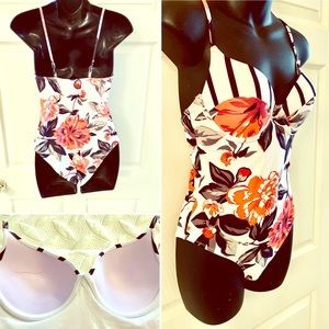 Other - New no tags Floral One piece Swimsuit size Small